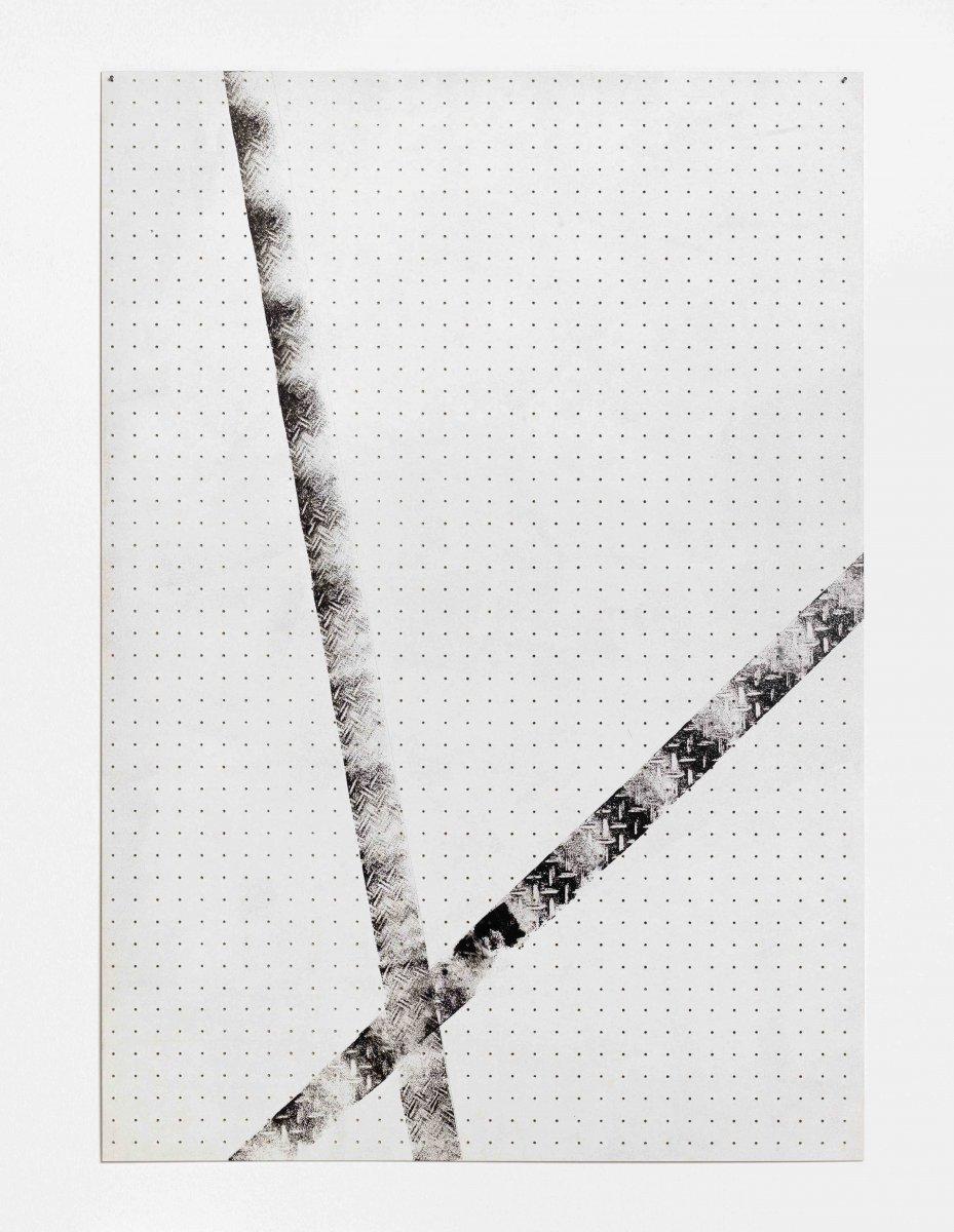 Kreuzung / 2014 / 123 x 85 cm / enamel, pencil on hardboard Foto: Roman März